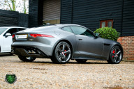 Jaguar F-Type R AWD 8
