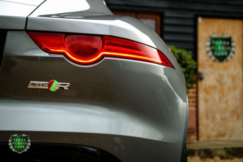 Jaguar F-Type R AWD 34