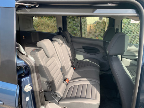 Ford Grand Tourneo Connect 2020 Titanium NEW & UNREGISTERED Wheelchair Accessible Vehicle WAV 14