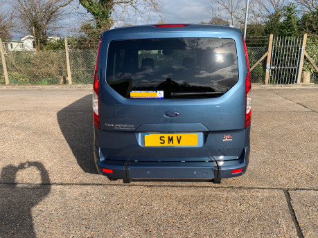 Ford Grand Tourneo Connect 2020 Titanium NEW & UNREGISTERED Wheelchair Accessible Vehicle WAV 4