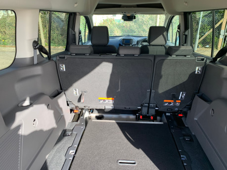 Ford Grand Tourneo Connect 2020 Titanium NEW & UNREGISTERED Wheelchair Accessible Vehicle WAV 7