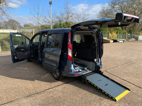 Ford Grand Tourneo Connect 2020 Titanium NEW & UNREGISTERED Wheelchair Accessible Vehicle WAV 33