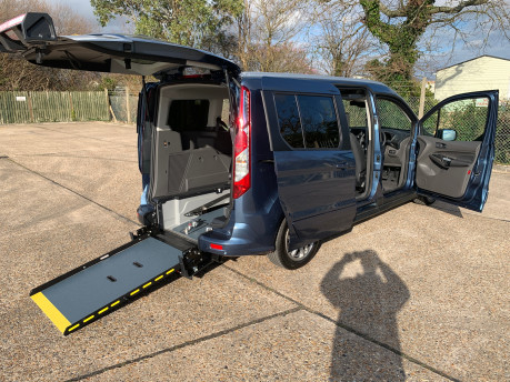 Ford Grand Tourneo Connect 2020 Titanium NEW & UNREGISTERED Wheelchair Accessible Vehicle WAV 34