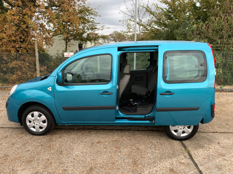 Renault Kangoo 2010 EXPRESSION 16V wheelchair & scooter accessible vehicle WAV 20