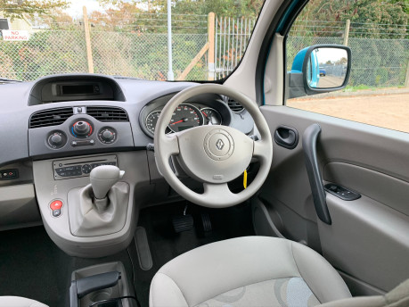 Renault Kangoo 2010 EXPRESSION 16V wheelchair & scooter accessible vehicle WAV 12