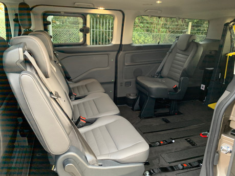 Ford Tourneo Custom NEW & UNREGISTERED TITANIUM X ECOBLUE WHEELCHAIR ACCESSIBLE VEHICLE WAV 6