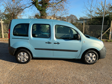 Renault Kangoo 2011 EXTREME 16V wheelchair & scooter accessible vehicle WAV 20