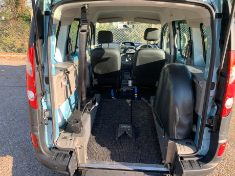 Renault Kangoo 2011 EXTREME 16V wheelchair & scooter accessible vehicle WAV 5