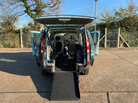 Renault Kangoo 2011 EXTREME 16V wheelchair & scooter accessible vehicle WAV 24