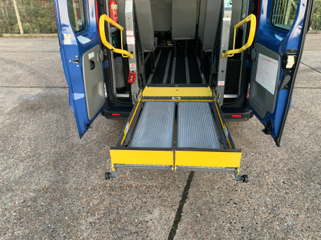 Renault Trafic 2014 LH29 DCI H/R wheelchair accessible vehicle WAV 6