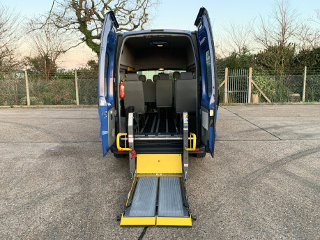 Renault Trafic 2014 LH29 DCI H/R wheelchair accessible vehicle WAV 7