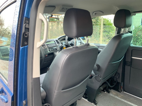 Volkswagen Caravelle 2015 EXECUTIVE TDI BLUEMOTION TECH wheelchair & scooter accessible WAV 15