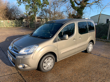Citroen Berlingo Multispace VTR HDI wheelchair and scooter accessible vehicle WAV