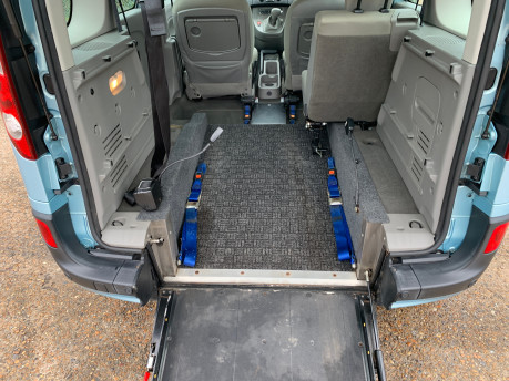 Renault Kangoo 2011 EXPRESSION 16V wheelchair & scooter accessible vehicle WAV 7
