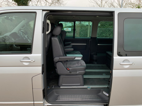Volkswagen Caravelle 2013 EXECUTIVE TDI BLUEMOTION TECHNOLOGY wheelchair accessible vehicle WAV 18