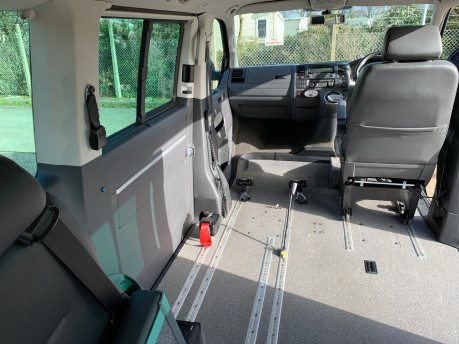 Volkswagen Caravelle 2011 EXECUTIVE TDI wheelchair accessible vehicle WAV 32