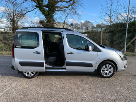Citroen Berlingo Multispace 2013 HDI XTR wheelchair and scooter accessible vehicle WAV 28