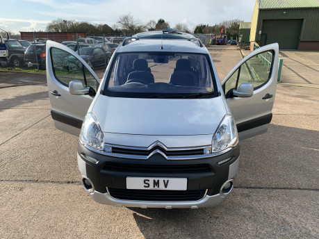 Citroen Berlingo Multispace 2013 HDI XTR wheelchair and scooter accessible vehicle WAV 29