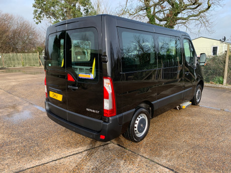 Renault Master 2015 SL28 BUSINESS DCI L/R P/V QUICKSHIFT wheelchair accessible vehicle WAV 24