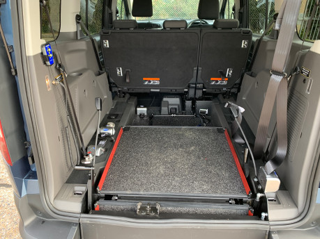 Ford Grand Tourneo Connect 2020 GRAND Zetec TDCI wheelchair & scooter accessible vehicle WAV 6