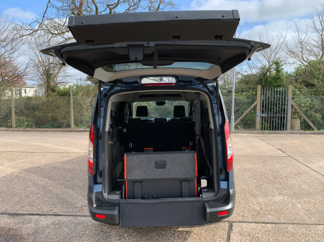 Ford Grand Tourneo Connect 2020 GRAND Zetec TDCI wheelchair & scooter accessible vehicle WAV 7