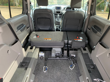 Ford Grand Tourneo Connect 2020 GRAND Zetec TDCI wheelchair & scooter accessible vehicle WAV 15