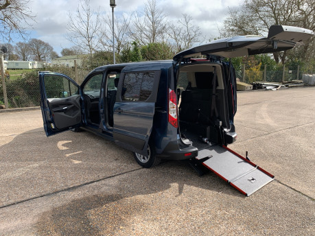 Ford Grand Tourneo Connect 2020 GRAND Zetec TDCI wheelchair & scooter accessible vehicle WAV 28