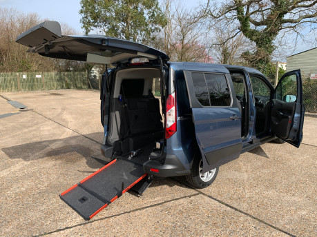 Ford Grand Tourneo Connect 2020 GRAND Zetec TDCI wheelchair & scooter accessible vehicle WAV 30