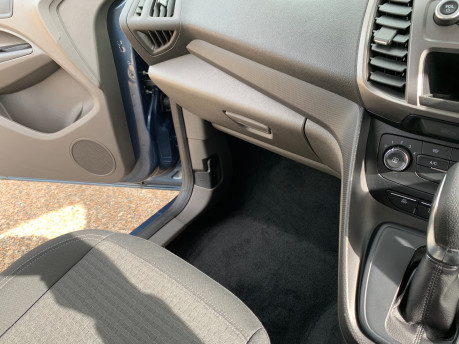 Ford Grand Tourneo Connect 2020 GRAND Zetec TDCI wheelchair & scooter accessible vehicle WAV 23