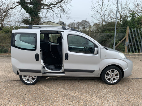 Fiat Qubo MULTIJET DYNAMIC DUALOGIC wheelchair & scooter accessible vehicle WAV 26