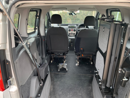 Fiat Qubo MULTIJET DYNAMIC DUALOGIC wheelchair & scooter accessible vehicle WAV 6