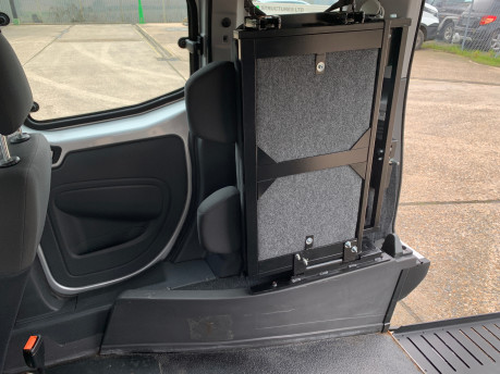 Fiat Qubo MULTIJET DYNAMIC DUALOGIC wheelchair & scooter accessible vehicle WAV 13