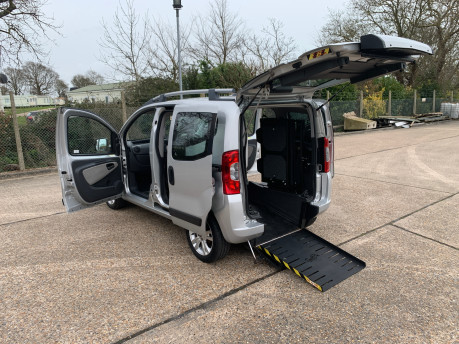 Fiat Qubo MULTIJET DYNAMIC DUALOGIC wheelchair & scooter accessible vehicle WAV 22