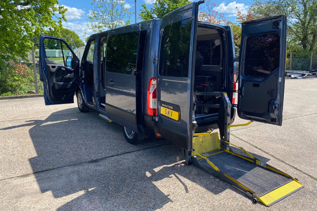 Renault Master 2013 SL30 DCI COMBO QUICKSHIFT wheelchair accessible vehicle WAV