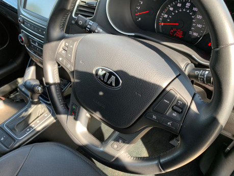 Kia Sorento 2014 CRDI KX-2 SAT NAV wheelchair & scooter accessible vehicle WAV 23