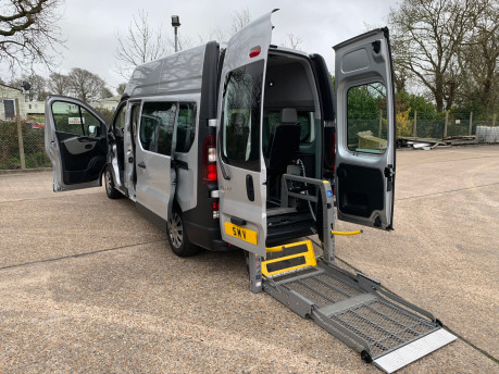 Renault Trafic 2016 LH29 BUSINESS ENERGY DCI H/R P/V wheelchair accessible vehicle WAV 30