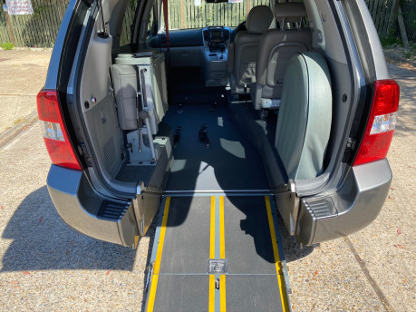 Kia Sedona 2011 3 CRDI Wheelchair and Scooter Accessible Vehicle WAV 11