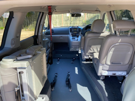 Kia Sedona 2011 3 CRDI Wheelchair and Scooter Accessible Vehicle WAV 12