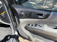 Kia Sedona 2011 3 CRDI Wheelchair and Scooter Accessible Vehicle WAV 21