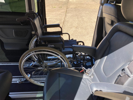 Mercedes-Benz V Class 2015 V220 BLUETEC SE wheelchair & scooter accessible vehicle WAV 17