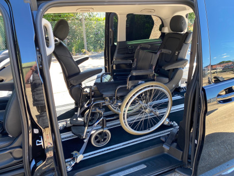 Mercedes-Benz V Class 2015 V220 BLUETEC SE wheelchair & scooter accessible vehicle WAV 16