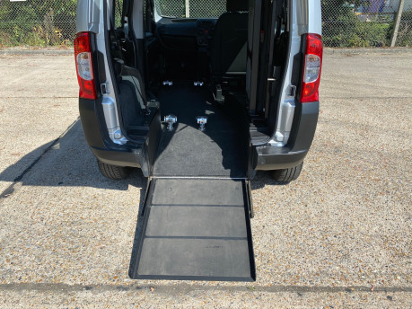 Fiat Qubo 2012 ACTIVE wheelchair & scooter accessible vehicle WAV 7