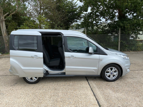 Ford Tourneo Connect 2017 TITANIUM TDCI Wheelchair & scooter accessible vehicle WAV 29