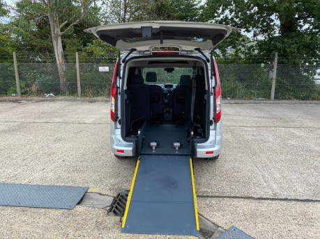 Ford Tourneo Connect 2017 TITANIUM TDCI Wheelchair & scooter accessible vehicle WAV 7