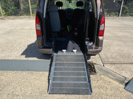 Peugeot Partner HDI TEPEE S wheelchair & scooter accessible vehicle WAV 9