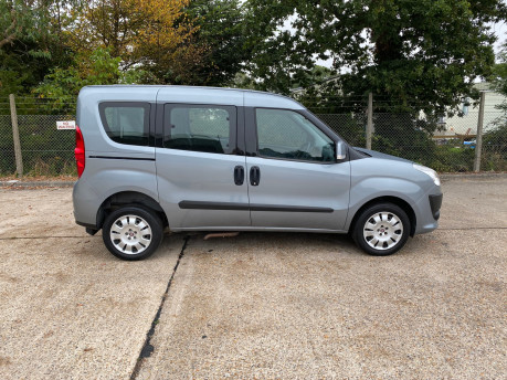 Fiat Doblo MYLIFE scooter & wheelchair accessible vehicle WAV 21
