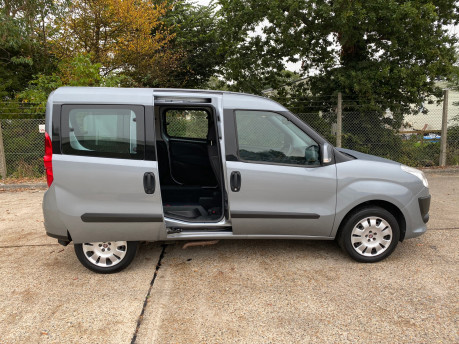 Fiat Doblo MYLIFE scooter & wheelchair accessible vehicle WAV 22