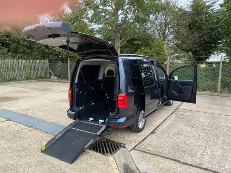 Volkswagen Caddy Maxi C20 LIFE TDI wheelchair & scooter accessible vehicle WAV 33