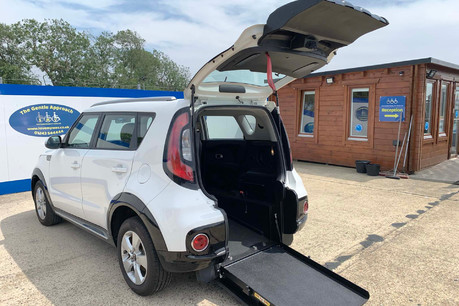 Kia Soul 2018 wheelchair & scooter accessible vehicle WAV