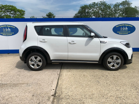 Kia Soul 2018 wheelchair & scooter accessible vehicle WAV 22